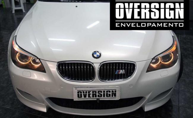 BMW M5 V10 Branco pérola – BMW M5 envelopada, envelopamento branco pérola, avery dennison, (32)