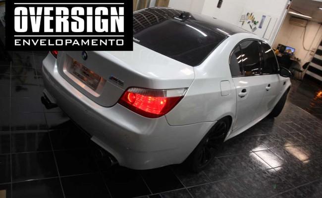 BMW M5 V10 Branco pérola – BMW M5 envelopada, envelopamento branco pérola, avery dennison, (38)