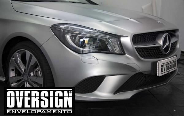 Mercedes Benz CLA 200 envelopamento Hiper prata