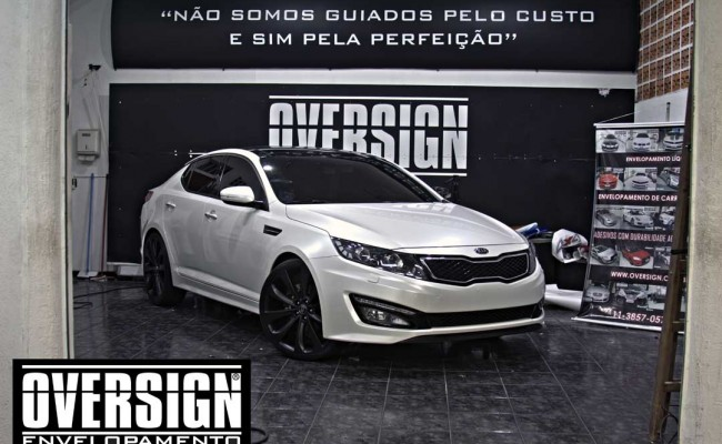 Kia Optima Branco Pérola, envelopamento, envelopamento de carros, envelopamento sp, oversign, kia, optima, avery dennison, white pearlescent, (23)