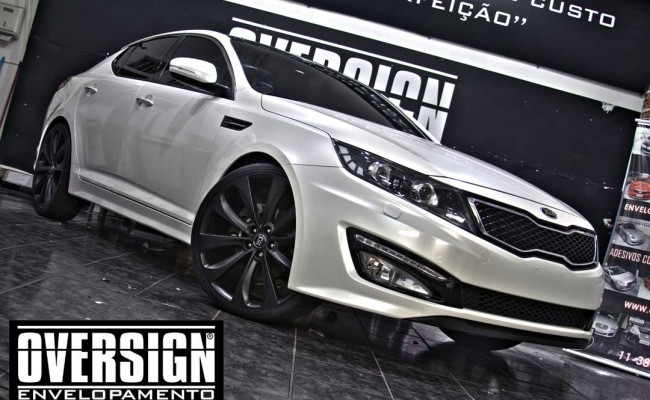 Kia Optima Branco Pérola, envelopamento, envelopamento de carros, envelopamento sp, oversign, kia, optima, avery dennison, white pearlescent, (24)